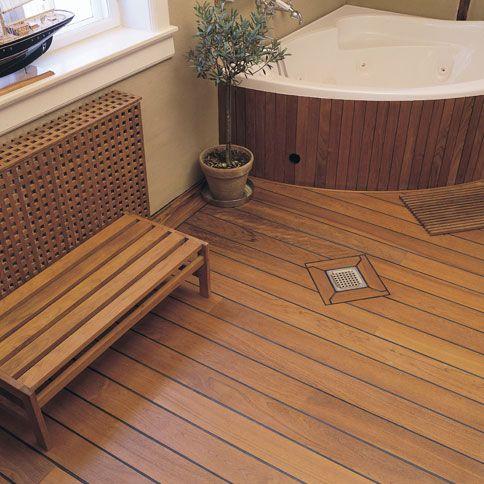 Een scheepsdekvloer voor in de badkamer. De standaard teak massief ...