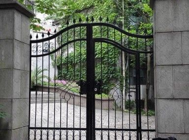 Wrought Iron Fence With 4x4 Wood Posts Black Caps With Images