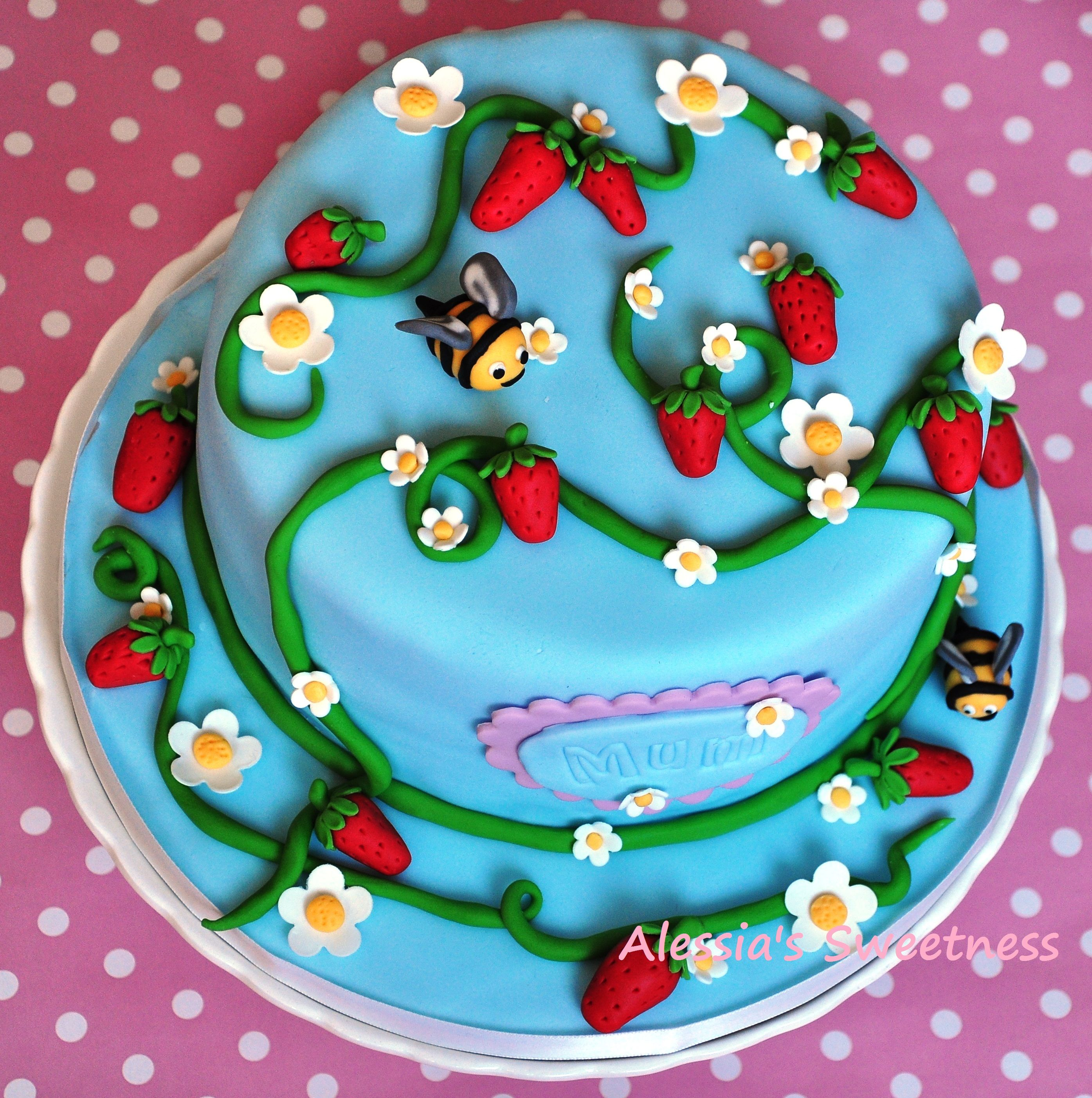 Bee's (bees, strawberries and flowers)cake