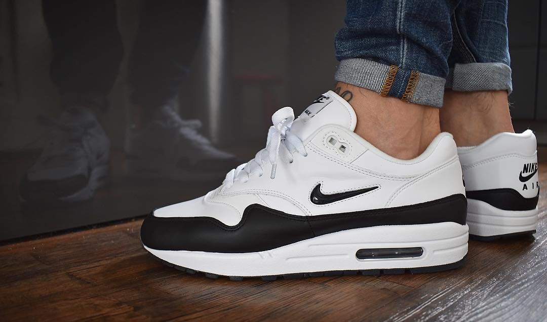Air Max 1 X Triple Huarache Blanc