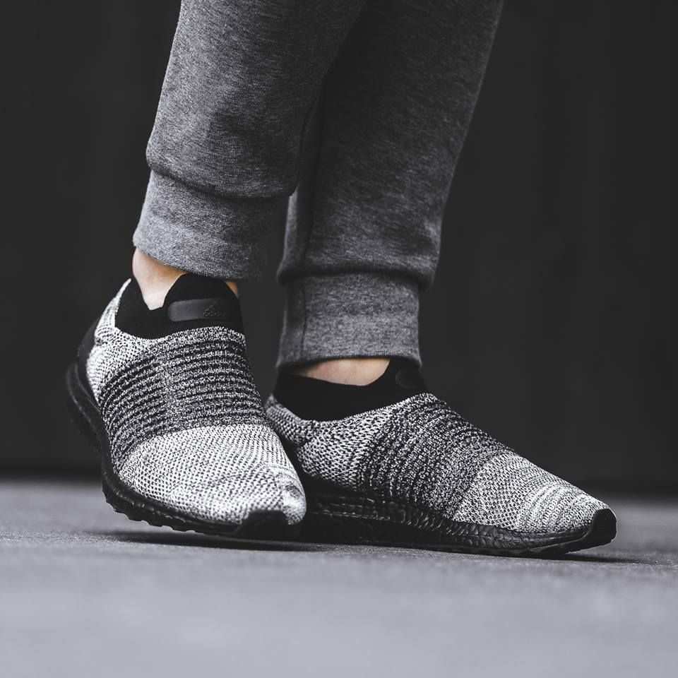 adidas ultra boost laceless oreo