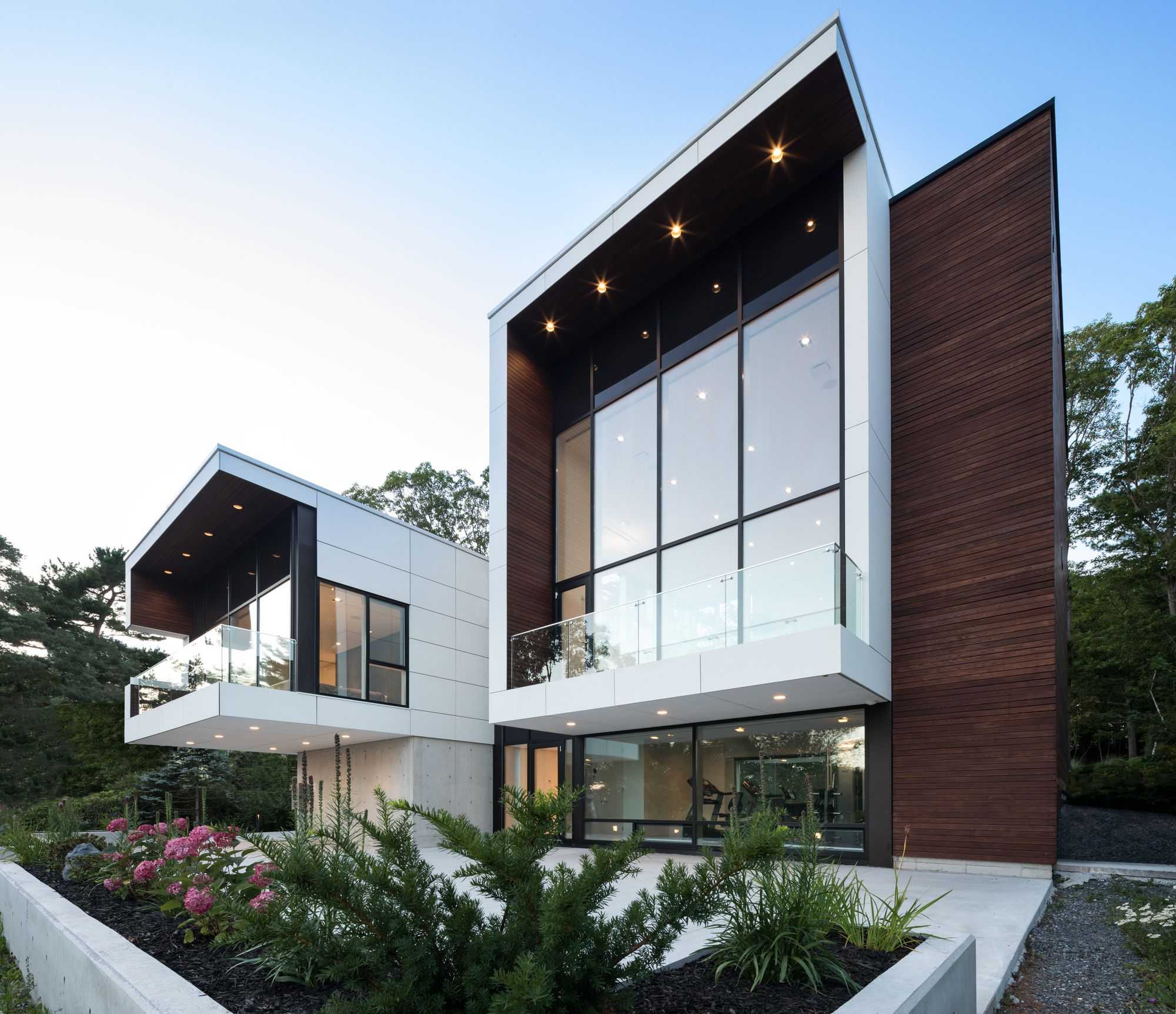 Gallery Of Syncline House Omar Gandhi Architect 4 Architect House Designs Exterior Modern Architecture House