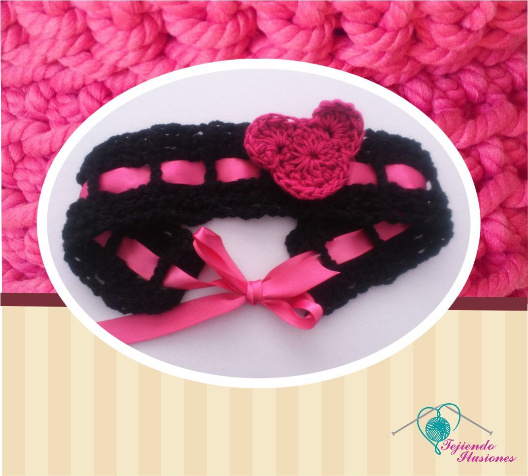Modelo N° 38: Diadema con liston y detalle de Mickey mouse tejida a crochet