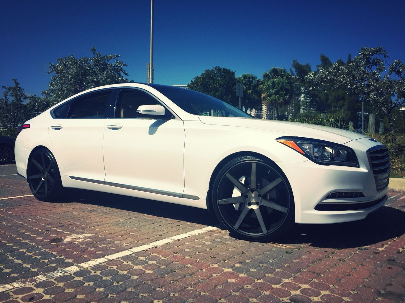 2015 Hyundai Genesis Sedan On 22 In Niche Verona M150