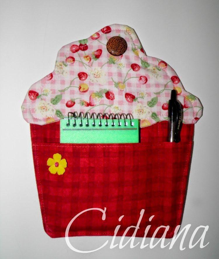 Cidiana: Manopla y porta notas cupcake
