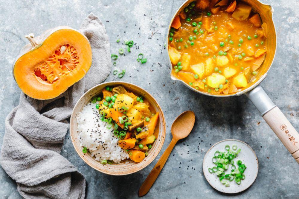 Japanisches Curry Mit Muskat Kurbis Eat This Foodblog Vegane Rezepte Stories Rezept Japanisches Curry Kurbis Curry Lebensmittel Essen