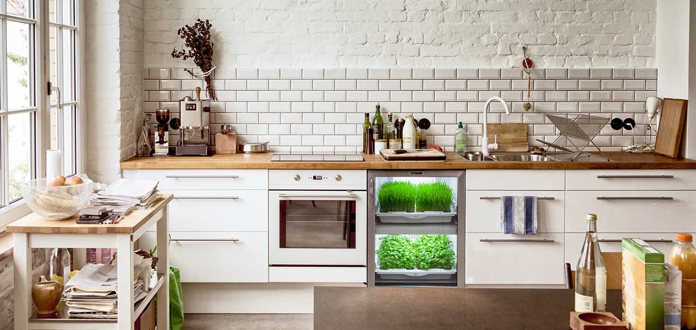 jebiga design magazine urban cultivator automated kitchen garden for those of you who enjoy organic food and prefer to know where it came from - Simple Kitchen Herb Garden