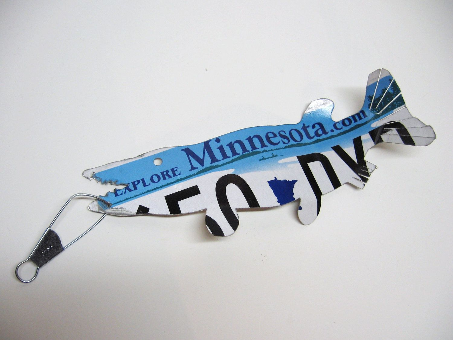 Minnesota Muskie Fish Recycled License Plate Art License Plate Art Small Projects Ideas Minnesota