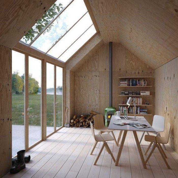 Veranda bioclimatique en bois clair plafond en verre