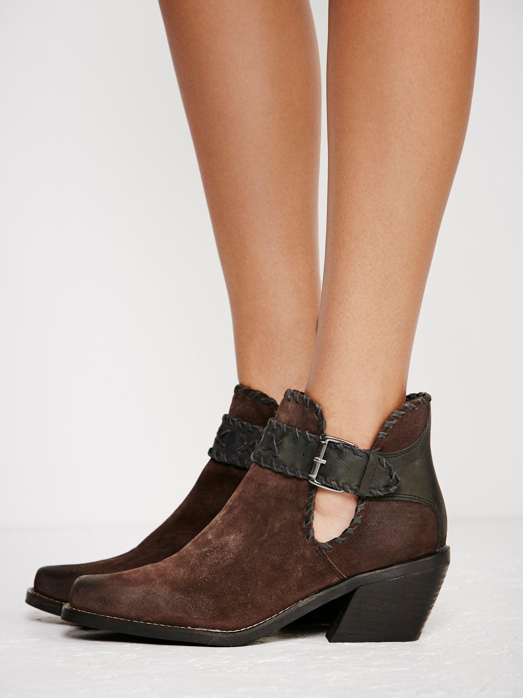 shop c booties shoes walk black comfortable white walking women skechers for brands performance go comforter p best
