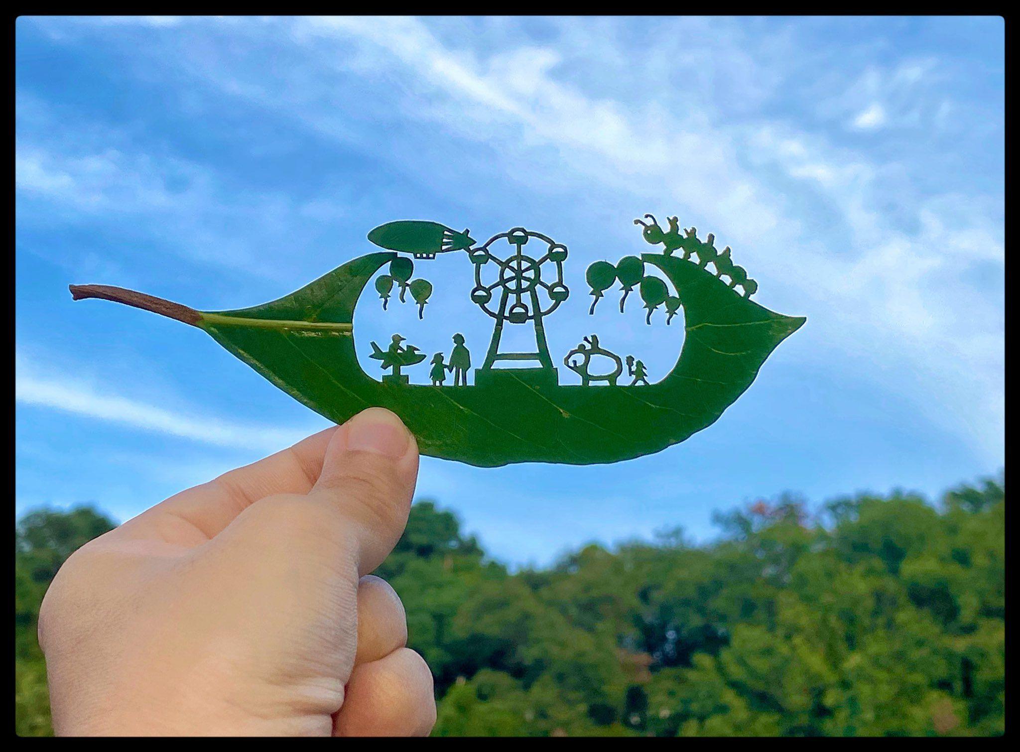 リト@葉っぱ切り絵 on Twitter in 2020 | Leaf art, Art carved, Tree carving