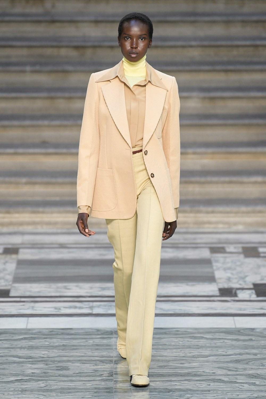 Victoria Beckham Spring 2020 Ready-to-Wear Fashion Show ...