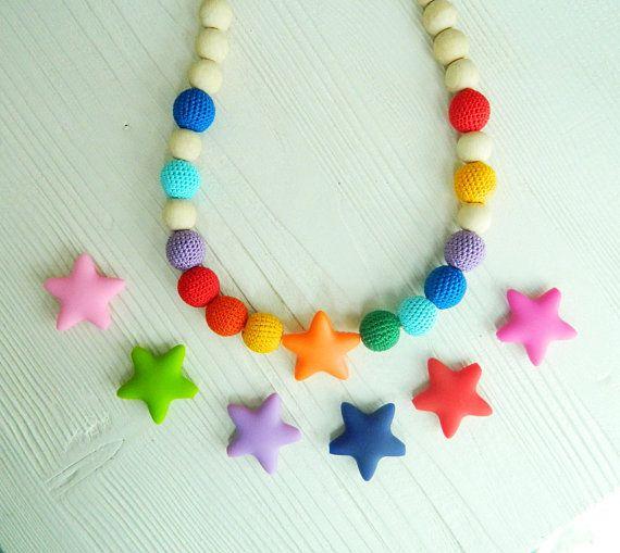 Rainbow Nursing necklace Crochet teething necklace New mom necklace Breastfeeding Babywearing necklace Silicone teething necklace Wooden