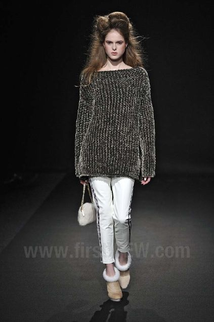 Junko Shimada - Ready-to-Wear - Runway Collection - Women Fall / Winter 2012