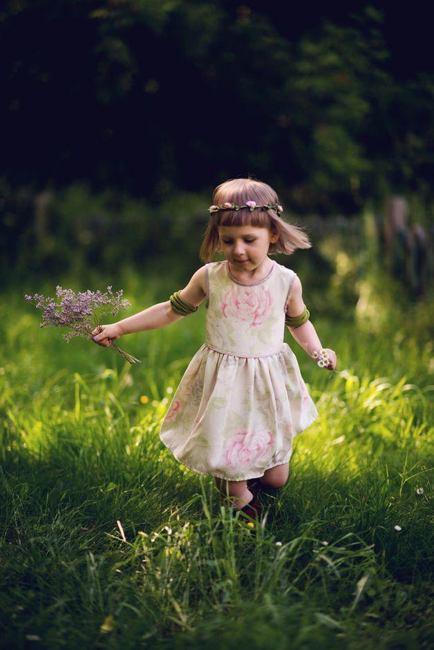 Sukienka W Kwiaty Bez Rekawow Sleeveless Floral Dress Flower Girl Dresses Girls Dresses