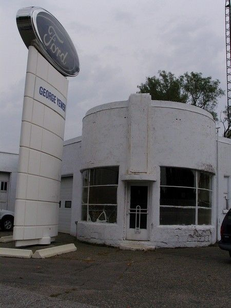 Abandoned Art Deco Ford Dealership In Gravenhurst Ontario Abandoned Abandoned Places Abandoned Houses