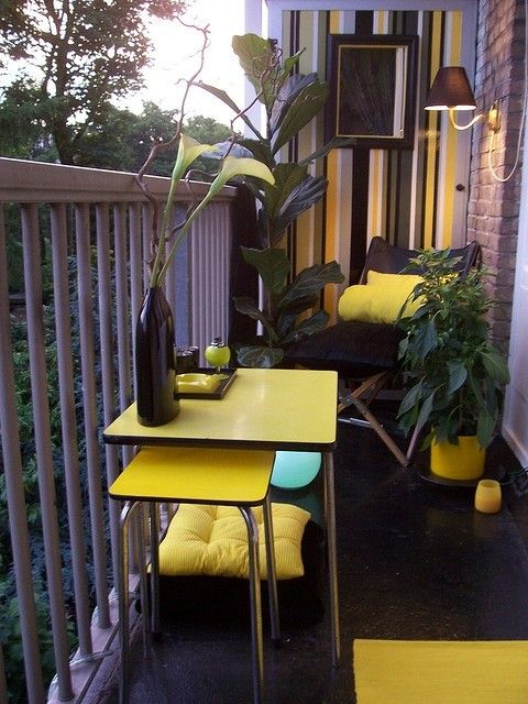 Unique Decorate Small Balcony