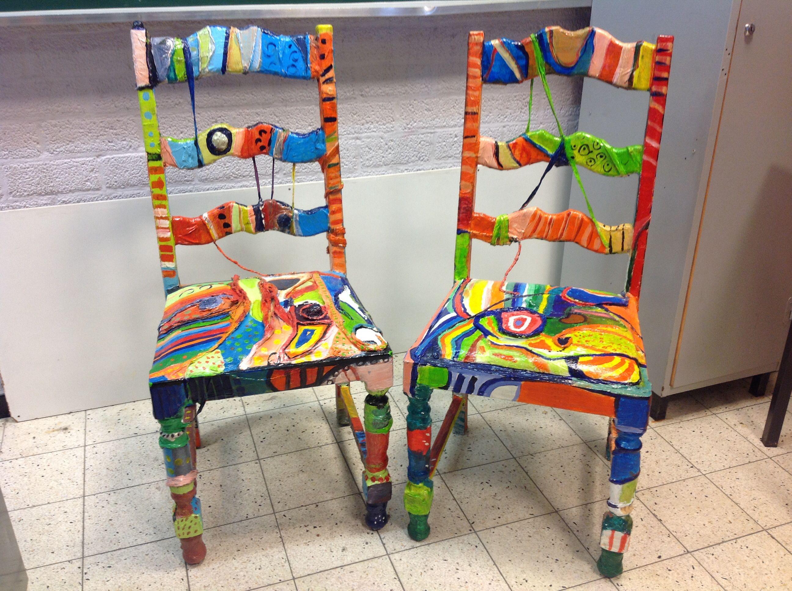 stoelen naar hundertwasser in expressief kleurgebruik 3. Black Bedroom Furniture Sets. Home Design Ideas