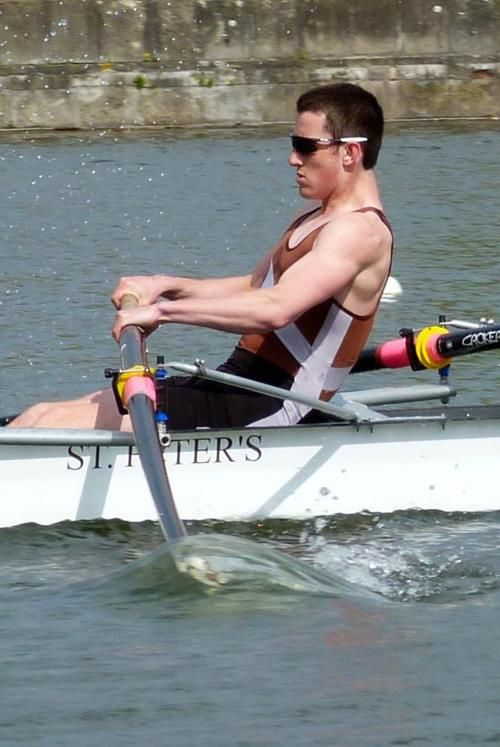 The Oar Bend The Boat The Muscles Too Many Attractive Things In One Picture Rowing Crew Rowing Scull Rowing