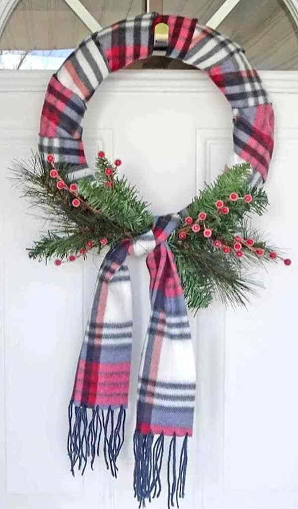 January Wreath Ideas - 12 DIY Winter Wreaths