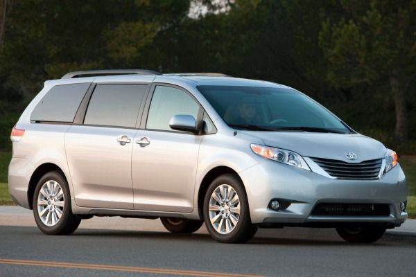 2015 Toyota Sienna To Debut on July 17
