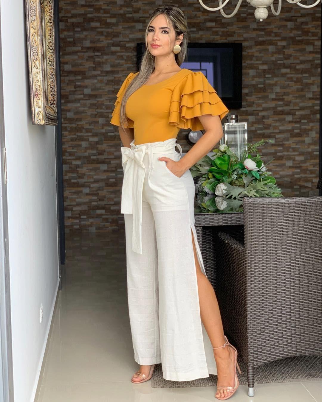 La Imagen Puede Contener 1 Persona De Pie Pantalones De Vestir Mujer Pantalones De Moda Pantalones De Moda Mujer