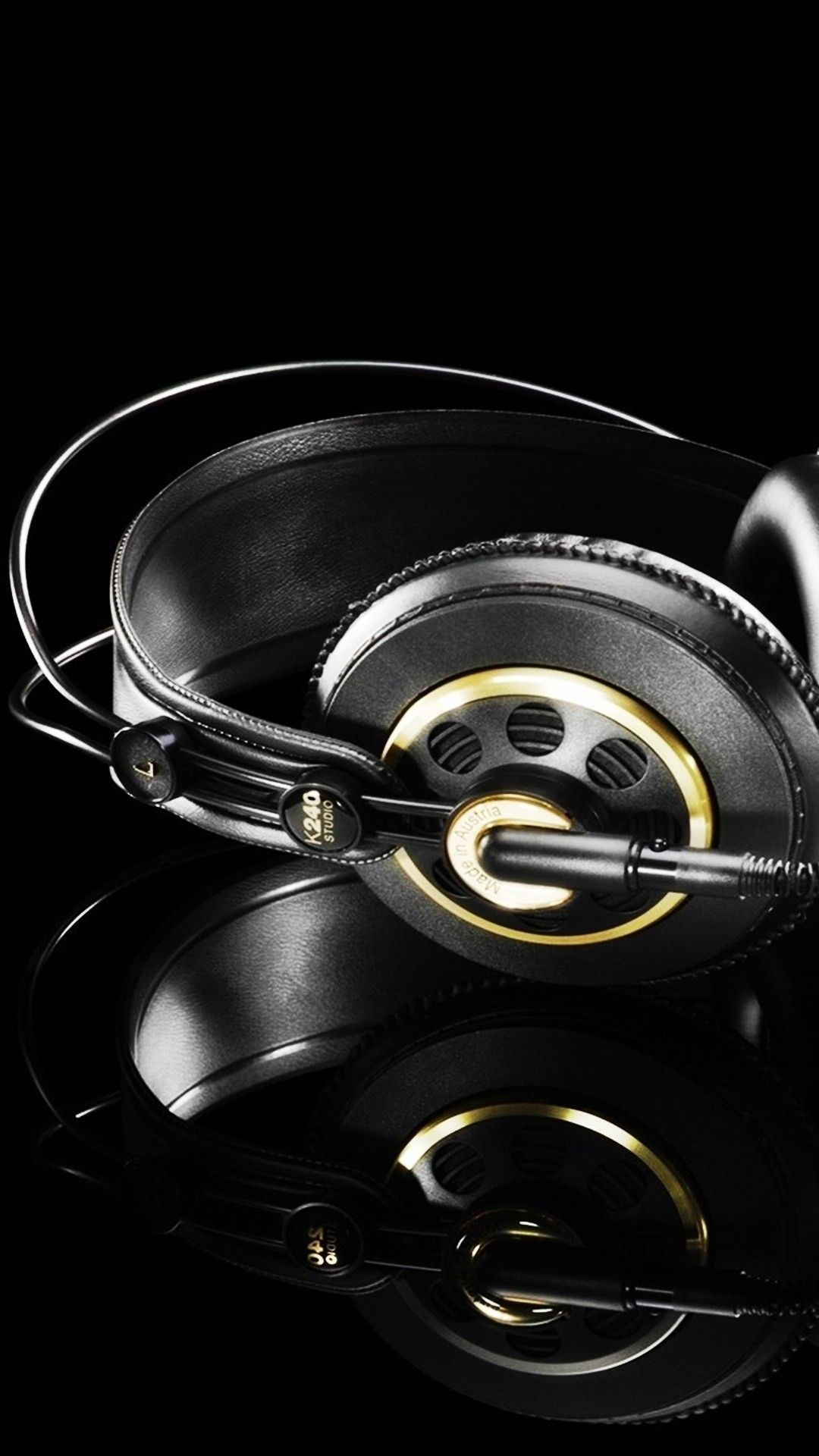 Studio Headphones Black Gold iPhone 6 plus wallpaper