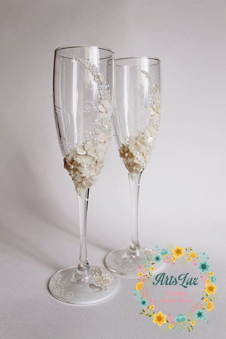 Ivory Wedding champagne glasses-Gentle Wedding toasting flutes ...