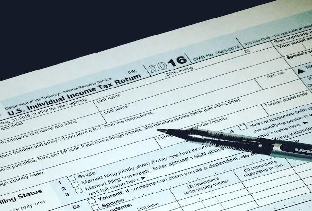 Which Tax Form Should I File 1040 1040ez 1040 A Or Something