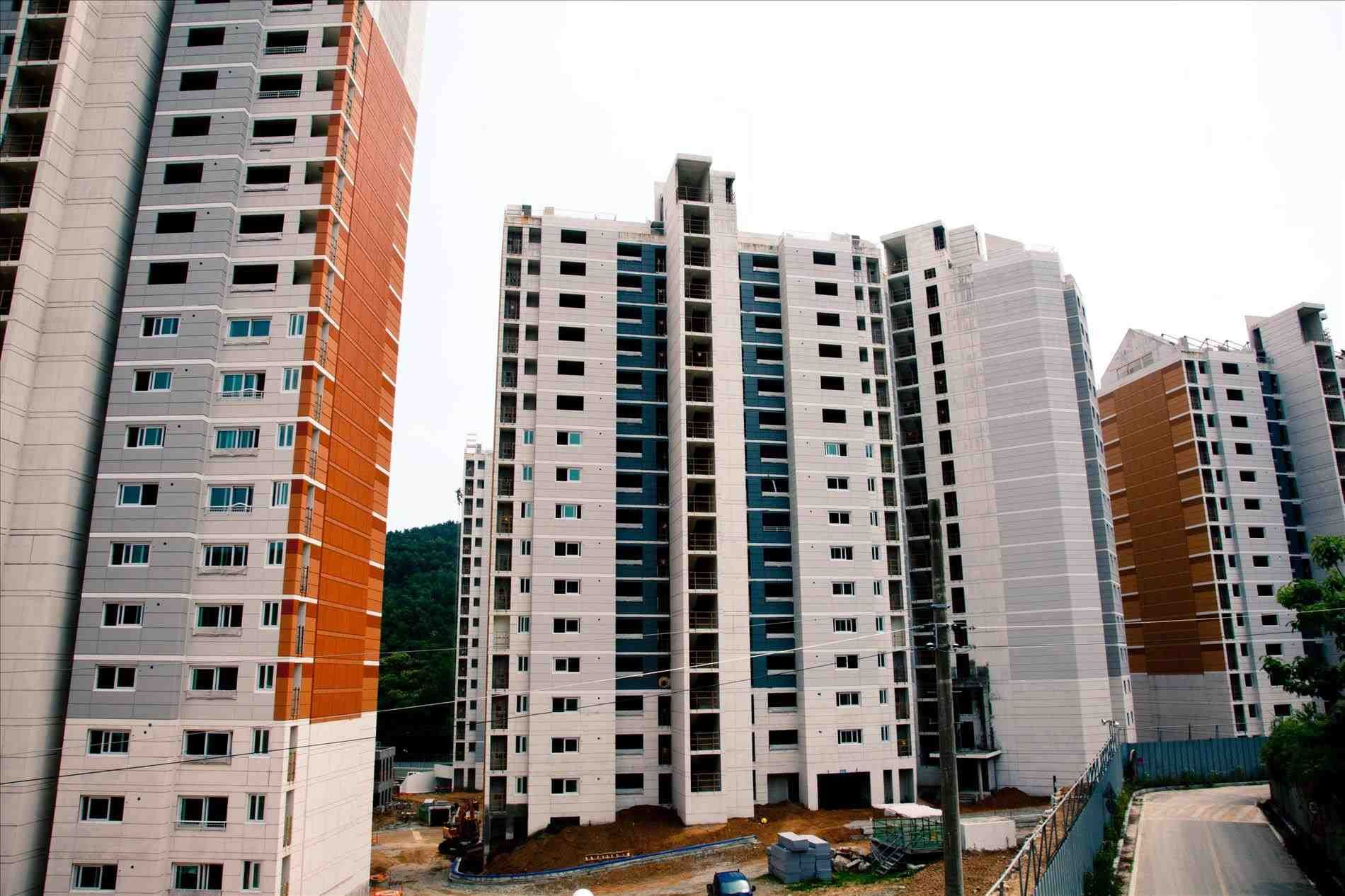 Apartment Daejeon New Apartment In Bucheon Daeheung Dong Pointed House Right Side With Private Terr Apartment Complexes Diy Small Apartment Lofts For Rent