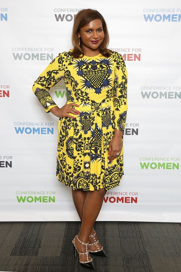 30 Outfits That Prove Mindy Kaling Can Pull Off Anything Mindy Kaling Style Nice Dresses Funky Dresses