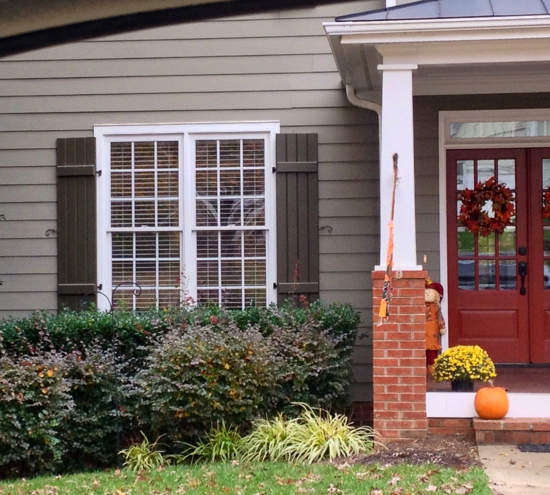 Brick House Front Door Color: Siding Color, Front Door Color, Trim Color, Shutter Color
