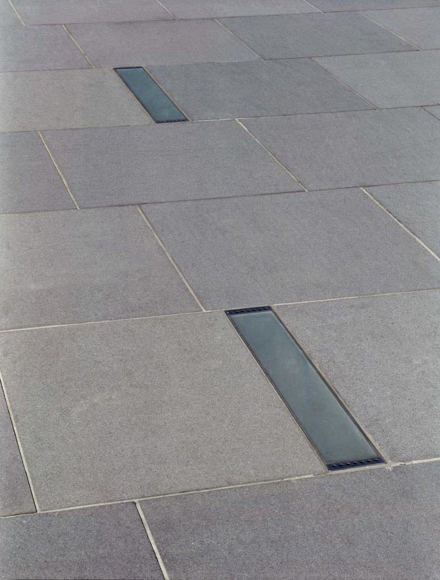 http://divisare.com/projects/17110-mangado-architects-christian-desile-plaza-de-pey-berland