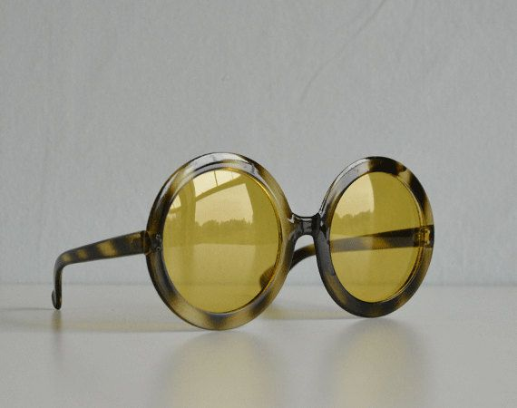 4cfb3d72e Vintage 60s Sunglasses / 60s Mod Round Brown Tortoise Shell Amber Sunglasses  (78.00 USD) by zestvintage