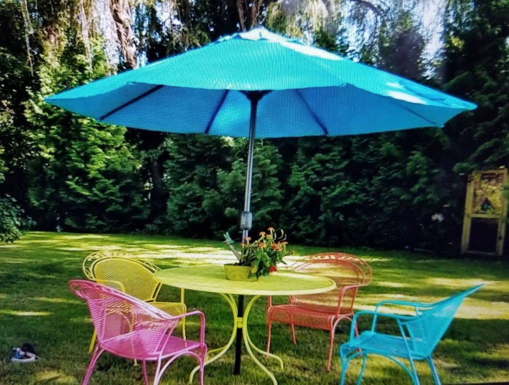How To Paint Bright Cheerful Lawn Furniture Diy Patio