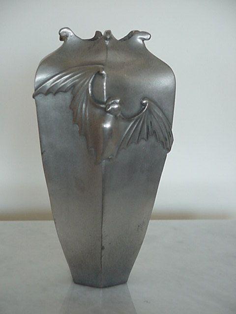 19th century Japanese bronze Art Nouveau style bat vase