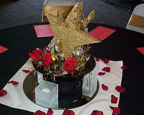 hollywoodthemedpartiesideas tiaras and tacones party planning decor - Hollywood Party Decorations