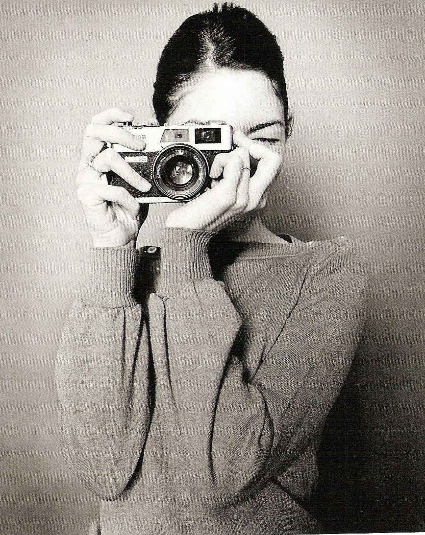 Sofia coppola girls with cameras olivia palermo appareils photos oscar wilde quotes