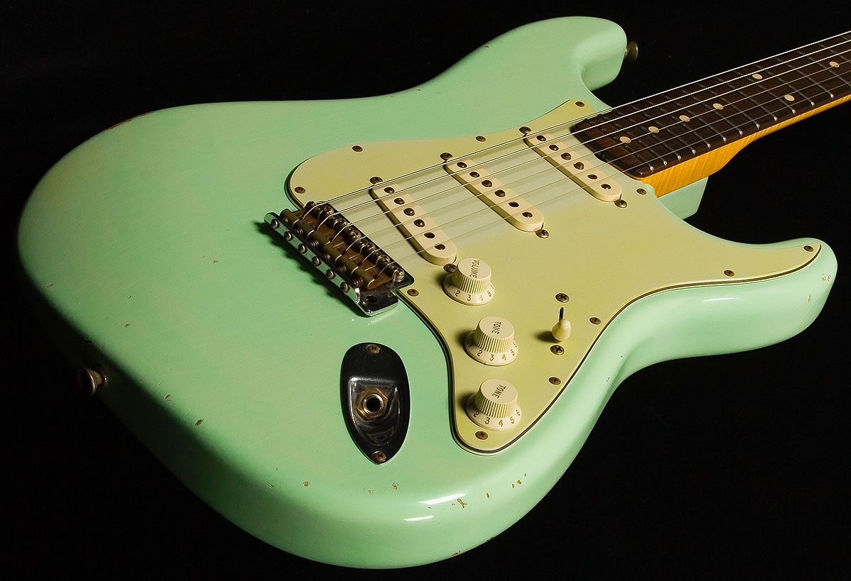 surf green mint green fender stratocasters guitar fender guitars fender stratocaster. Black Bedroom Furniture Sets. Home Design Ideas