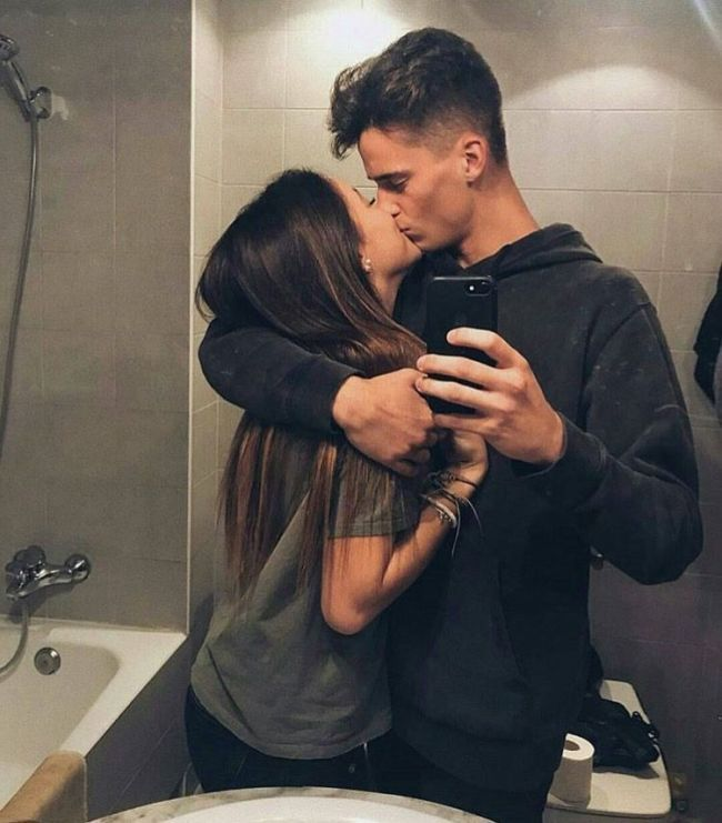 Pin by / A R Y A / on R e l a t i o n s h i p | Pinterest | Cute couple pictures... - #Couple #cute #Pictures #Pin #Pinterest
