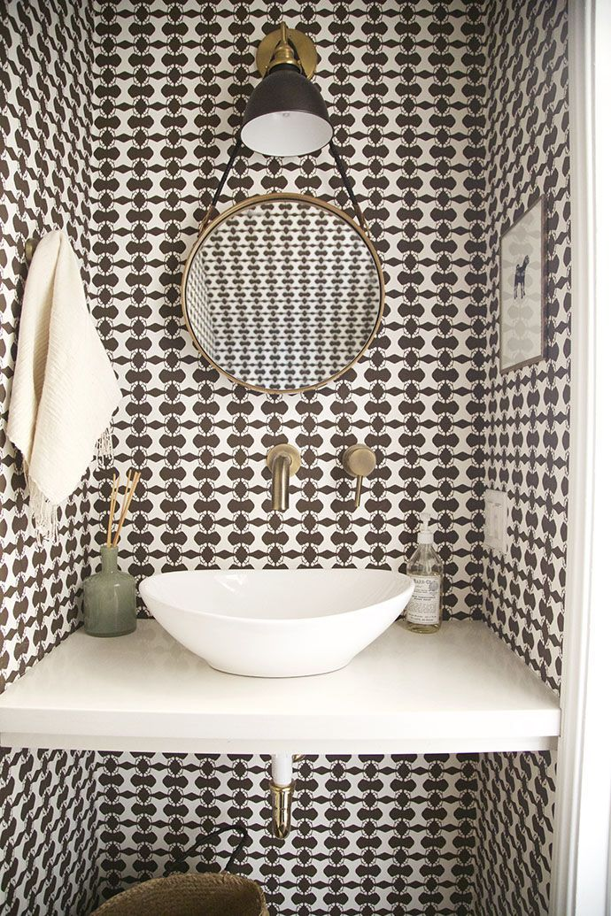 Patterned bathroom wallpaper is making a strong comeback - Is wallpaper making a comeback ...