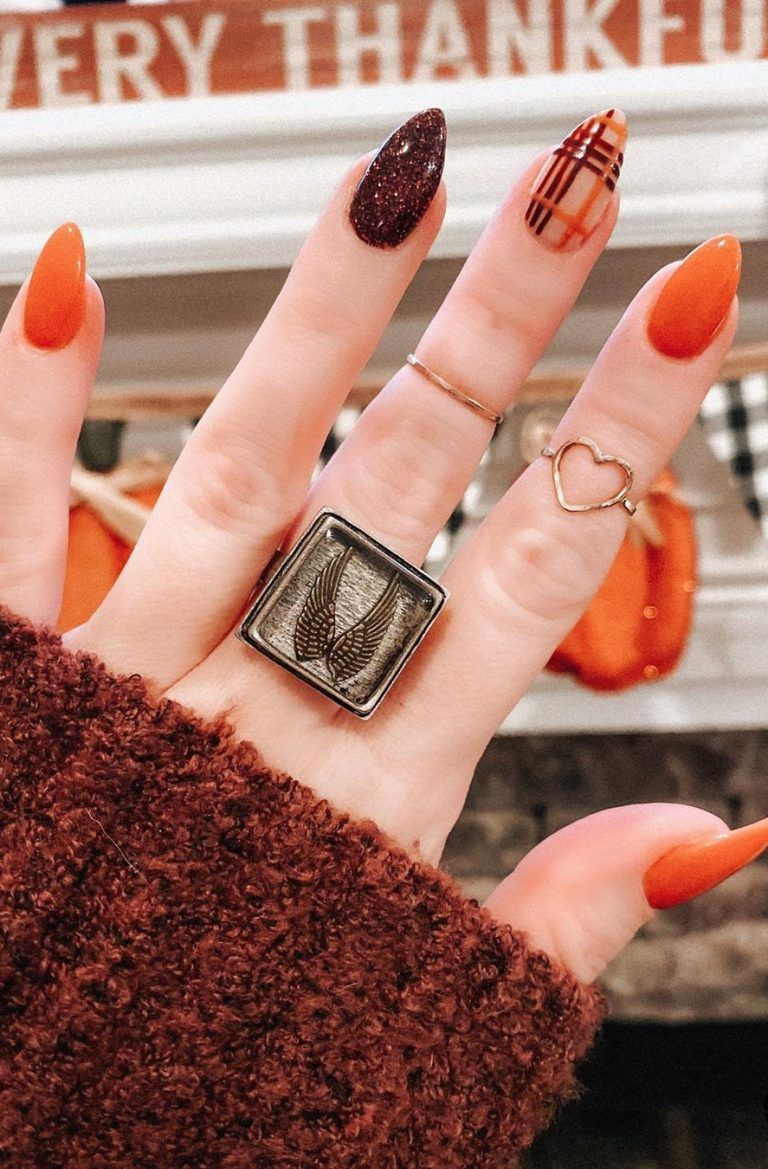 28 Must Try Fall Nail Designs And Ideas 2020 Page 25 Of 28 Newyearlights Com In 2020 Halloween Acrylic Nails Fall Gel Nails Plaid Nails