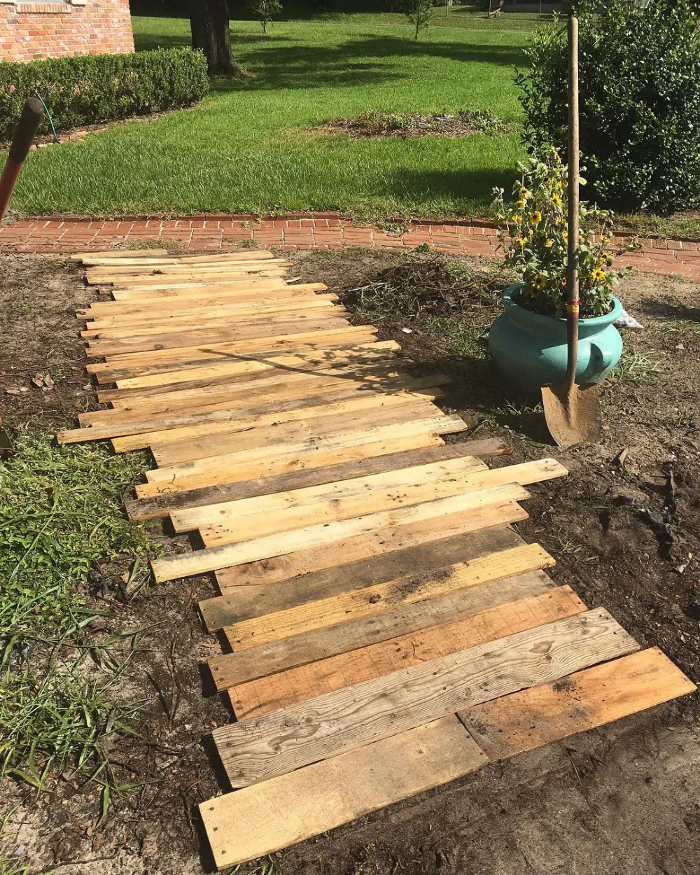 Photo of 40 affordable DIY projects guaranteed to upgrade any backyard in just a couple of hours