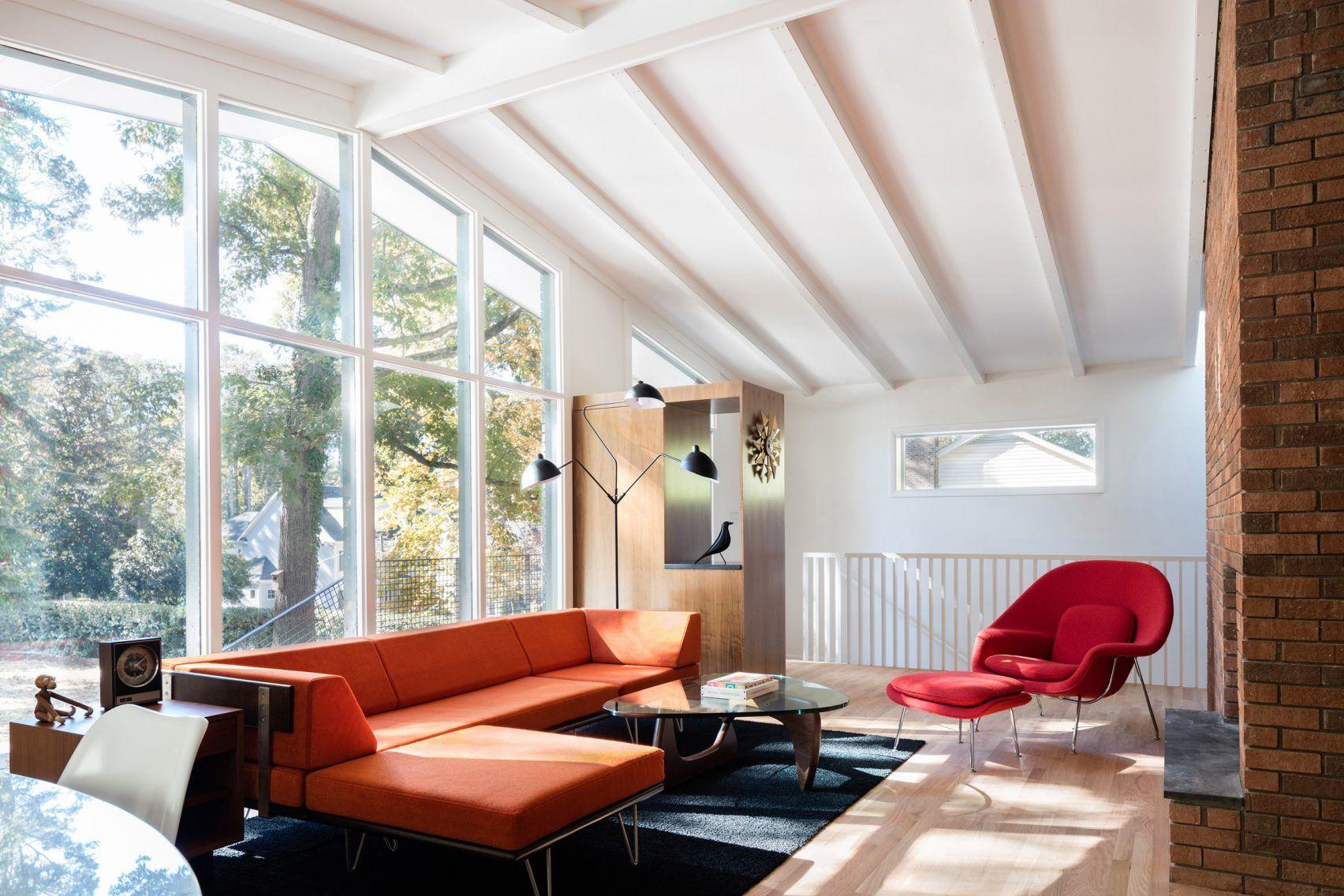 In Situ Studio revives midcentury modern home in North Carolina