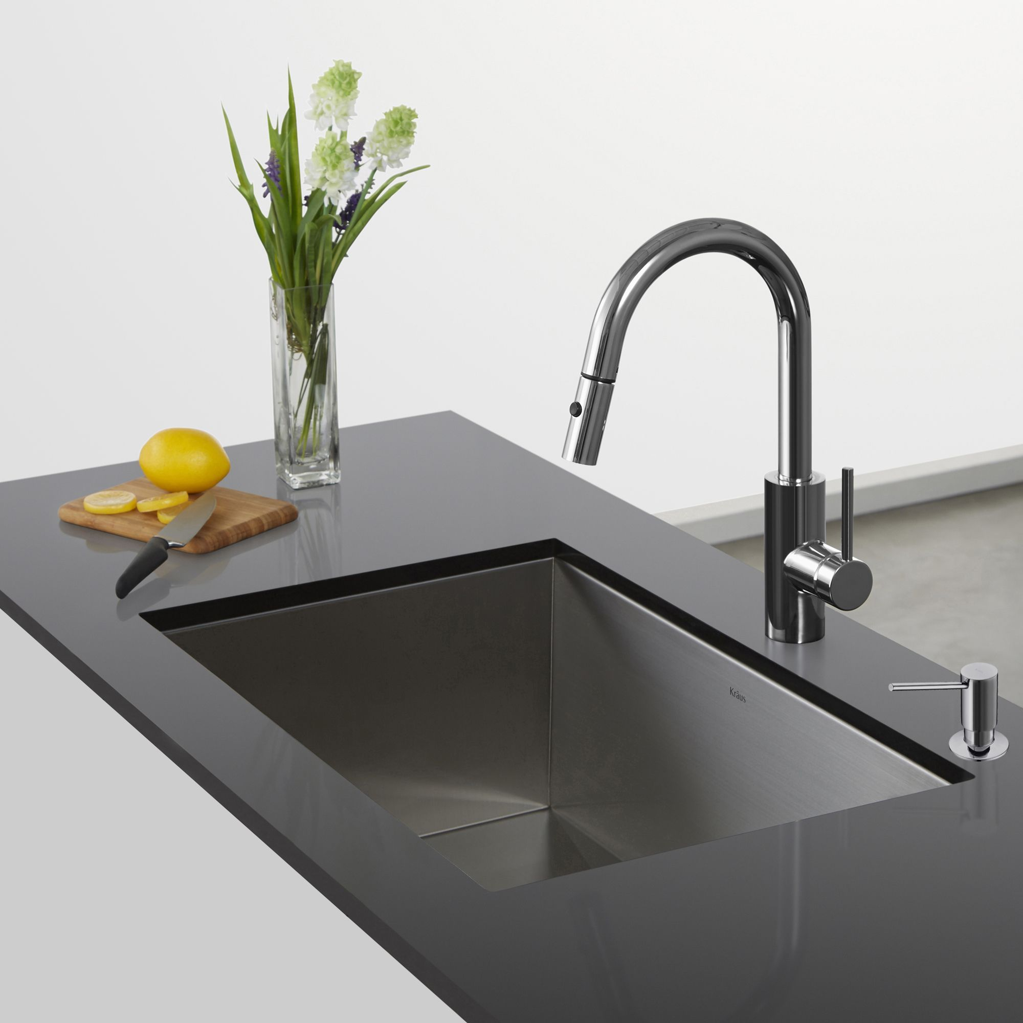 Kraus Mateo Single-Lever Pull-Down Kitchen Faucet (Stainless Steel ...
