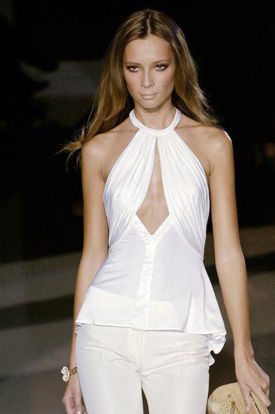 Versace at Milan Fashion Week Spring 2006 - Runway Photos