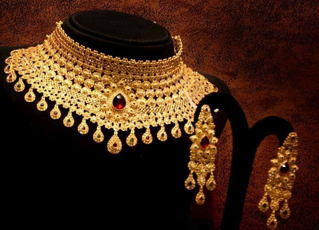 Uncut Diamond Necklace Sets Malabar Gold Google Search