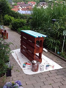 bauanleitung garten bar aus europaletten palettenm bel pinterest pallets gardens and. Black Bedroom Furniture Sets. Home Design Ideas