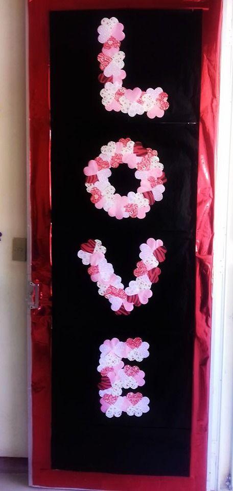 Puerta decorada del mes de ferero amor y amistad love for Decoracion de puertas de san valentin