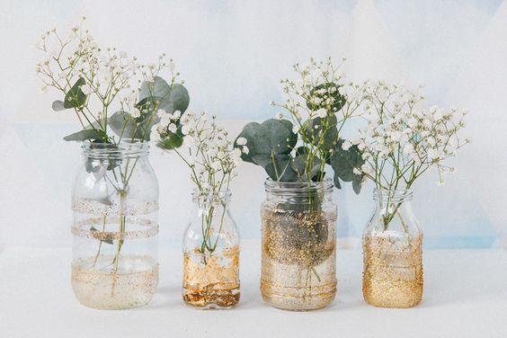 DIY contenants dorés pour une décoration de mariage simple et jolie